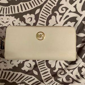 Michael Kors off white wallet